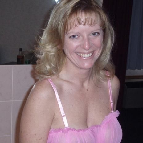 Rijpe dame nu onverwacht vrijgezelle op zoek naar sexdate